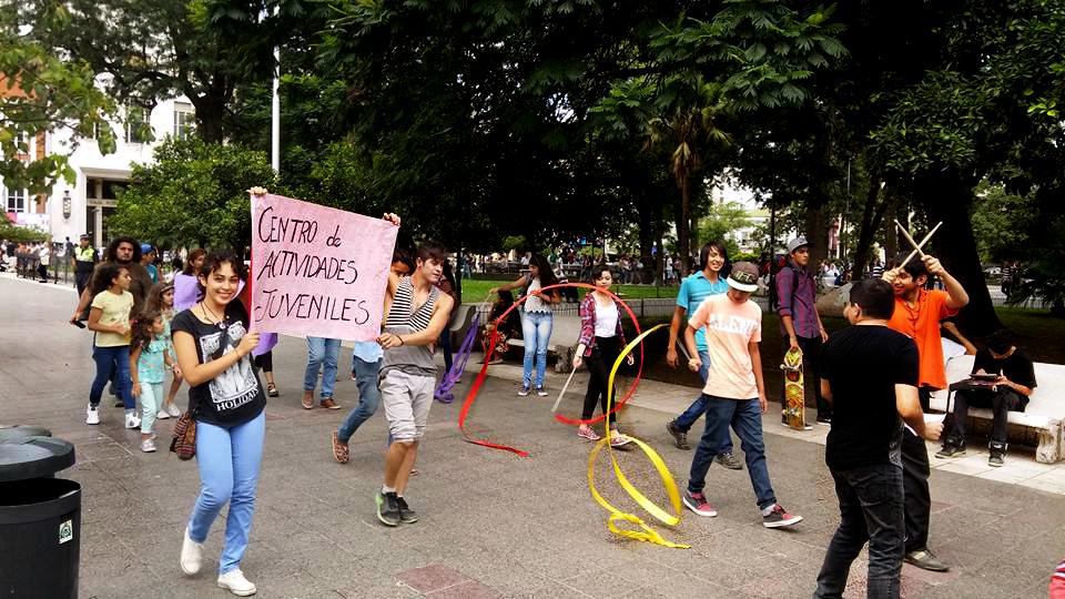 Centros de Actividades Juveniles Talleristas amenazan con parar: No cobran desde abril