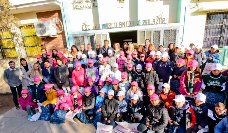 <h6>Entrevista a Roberto Juarez</h6>Alumnos de quinto grado podrán ganar un viaje a Ischigualasto
