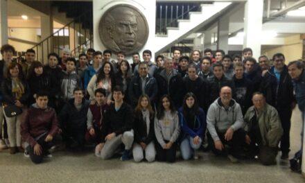 <h6>Entrevista al profesor de Tecnología Daniel López</h6> Viaje de Estudios: Alumnos de la Escuela Industrial visitarán la NASA