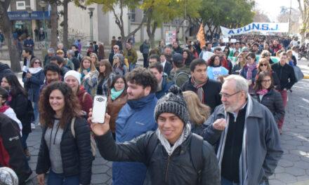"""<h6>Marcha Universitaria</h6> """"Hay un ataque sostenido contra la universidad"""""""