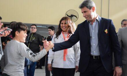 El gobernador Uñac reglamentó la Ley Provincial de Educación
