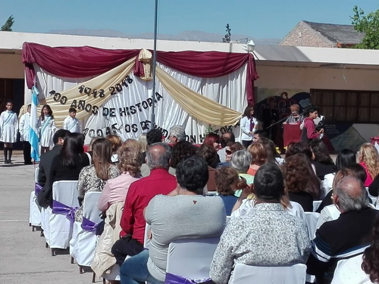 Un siglo de vida celebró la Escuela Carlos María de Alvear