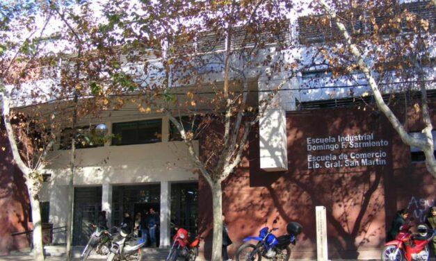 Llamado a cubrir horas en la Escuela de Comercio: Departamento de Ciencias Económicas