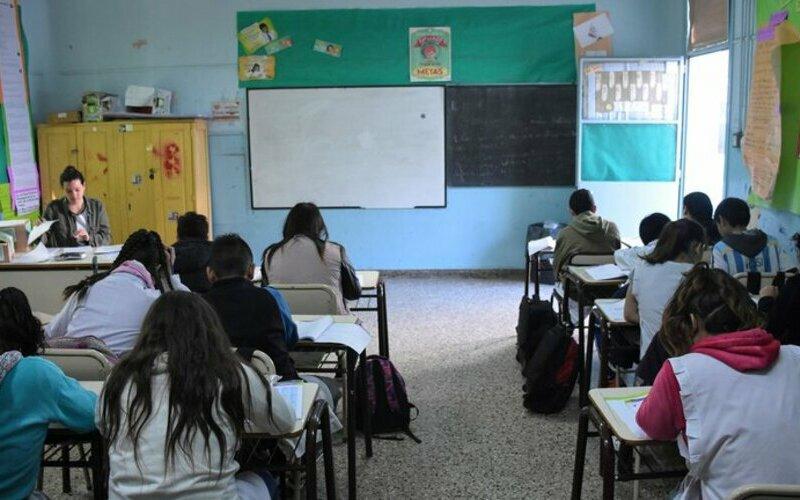El Consejo Federal de Educación confirmó que ningún alumno repetirá de año y que la promoción se definirá en 2021