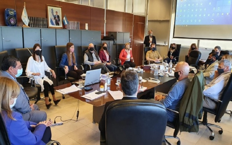 Gremios y Gobierno deberán consensuar cómo será el regreso a las aulas en San Juan
