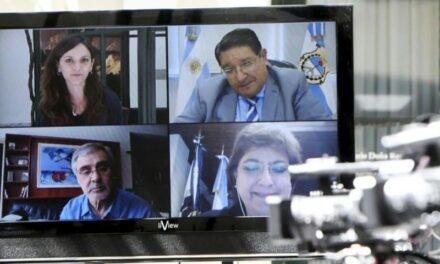 De Los Ríos expuso en Foro de Líderes por la Educación