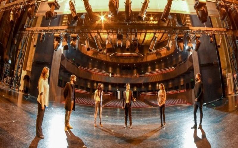 Exitoso retorno de las visitas guiadas en el Teatro del Bicentenario